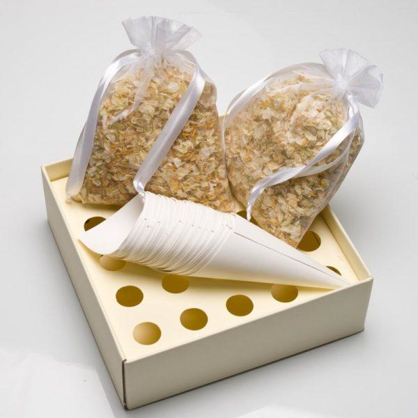 Ivoor/Goud Delphinium Bloemblaadjes met tray en kegels